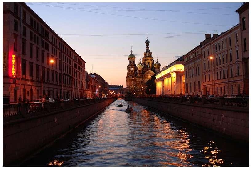 Фото 1. Вызов электрика на набережную канала Грибоедова как правило предполагает проведение аварийно-восстановительных работ на объектах исторической части Санкт-Петербурга (в Центральном и Адмиралтейском районах СПб).